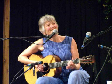 Peggy Seeger in concert